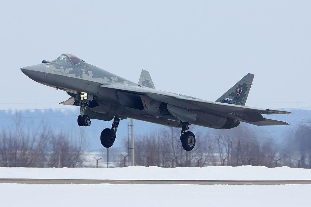 第10架苏-57原型机的首次露面