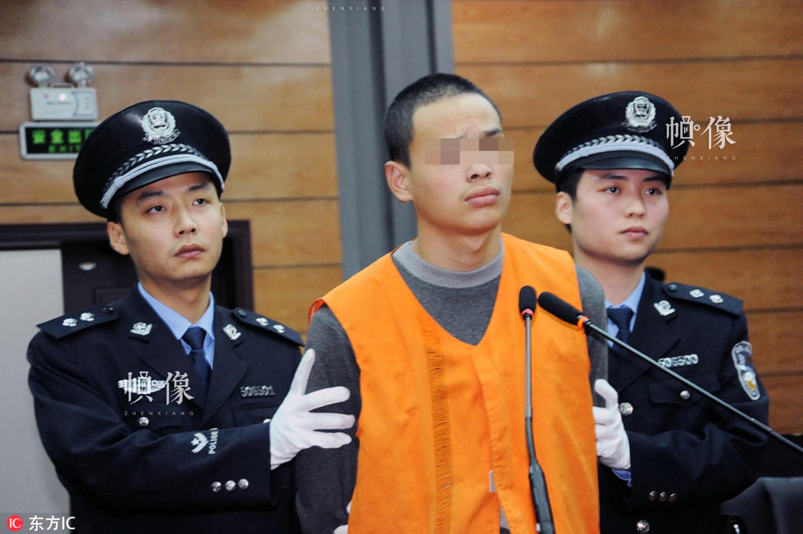 2013年11月6日,重庆市云阳县人民法院开庭审理一起猥亵儿童案,依法判处被告人朱祥勇有期徒刑4年。这是自最高法院、最高检察院、公安部、司法部《关于依法惩治性侵害未成年人犯罪的意见》发布后,该院依法从严惩处首例性侵未成年人案件。东方IC