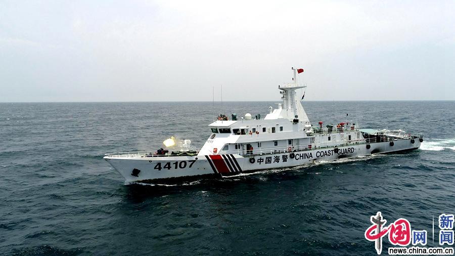 让子弹飞起来 广东海警开展海上多型武器实弹射击