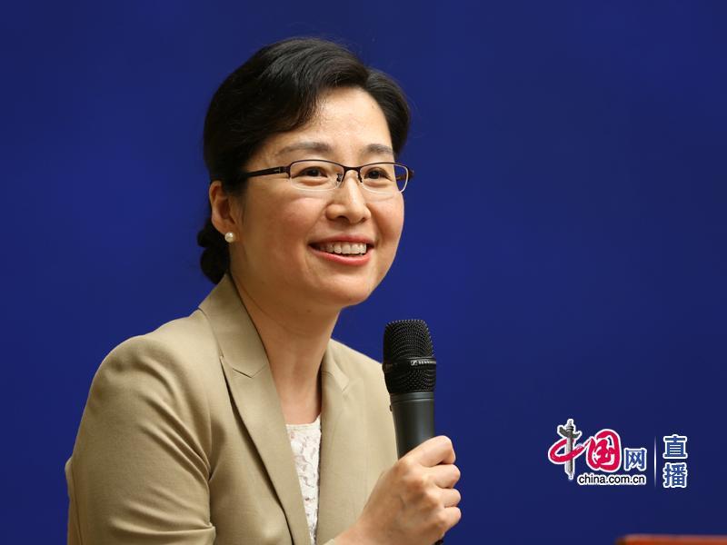 国新办新闻局副局长袭艳春主持见面会 中国网 杨佳