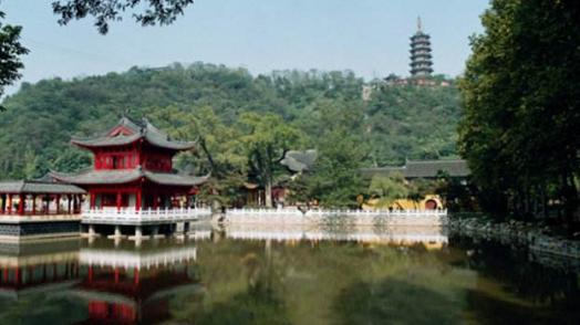 内蒙古阿尔山迎来北京避暑游客