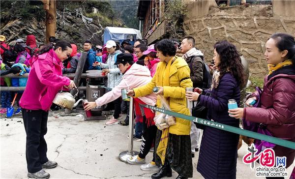 三清山旅游最佳线路:旅游管理专业就业前景怎么样 管理工资一般多少