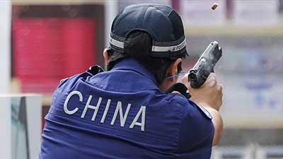 """世界警界""""枪王之王""""花落中国90后女特警 2012耐克篮球峰会"""