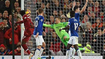 英超:奥里吉96分钟神奇绝杀 利物浦1-0埃弗顿 新浪体育新闻