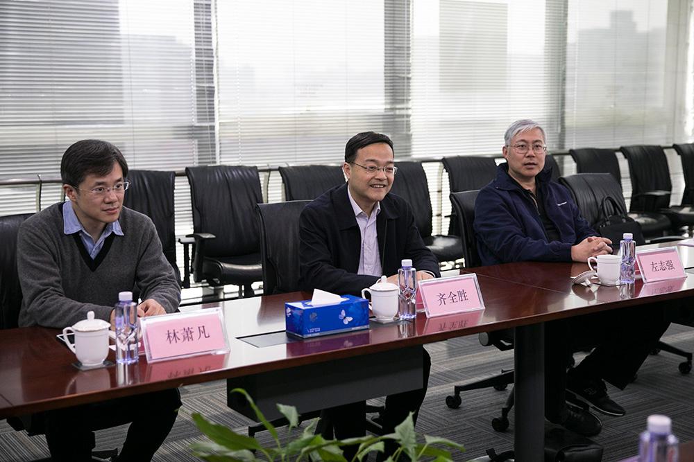 中国侨联副主席齐全胜一行访问中国网