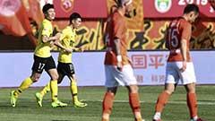 中超:保利尼奥染红陈杰绝杀 人和2-1恒大 德国教练勒夫