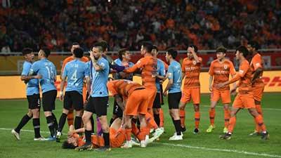 中超:穆谢奎头球破门 一方1-0鲁能赛季首胜 阿乙联赛