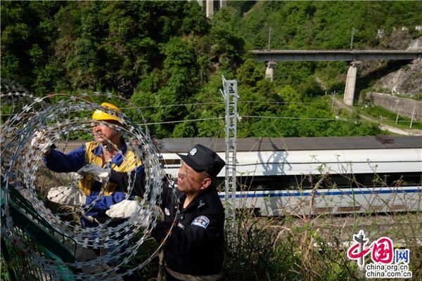 各地铁路公安机关加强站车治安管理确保五一假期安全稳定