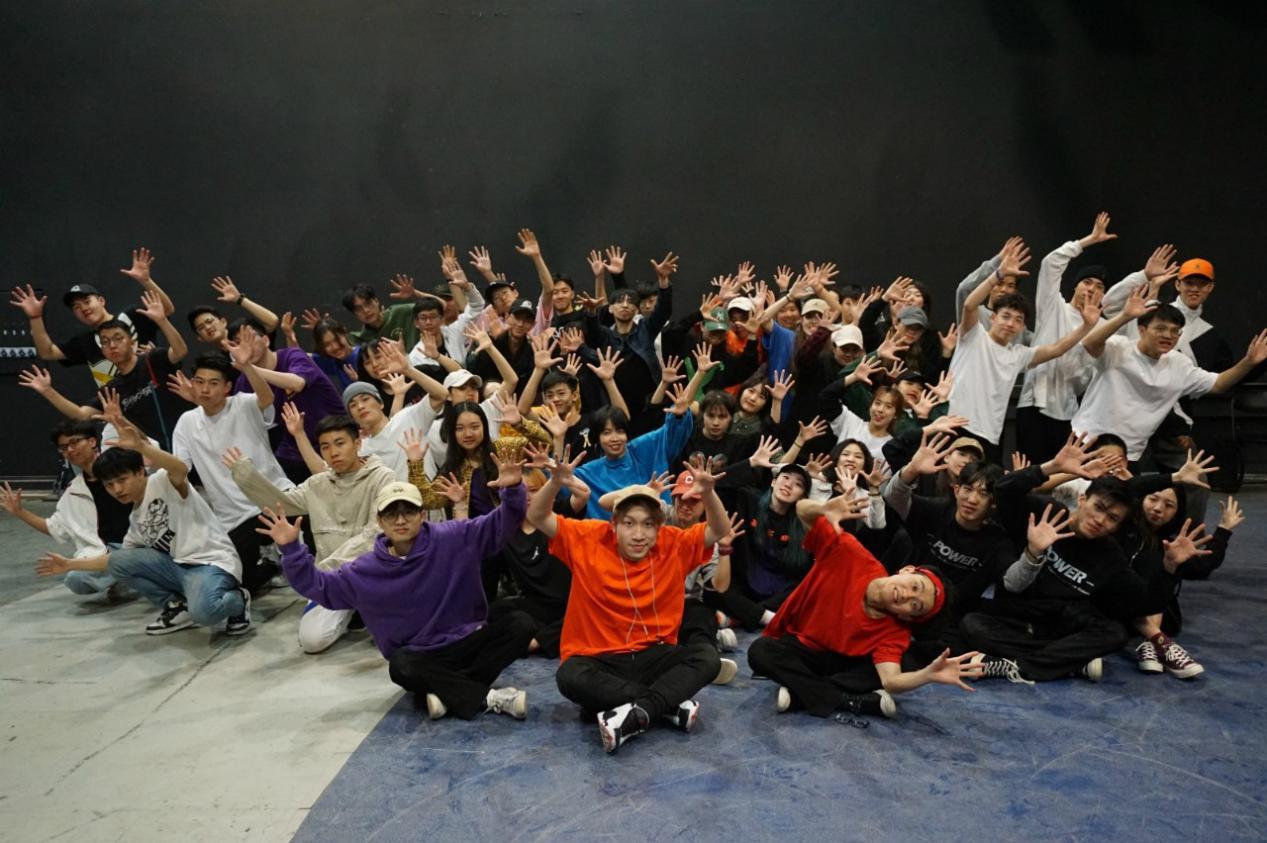 华南理工大学广州学院学子亮相央视舞台 演绎追梦人的青春 _中国网