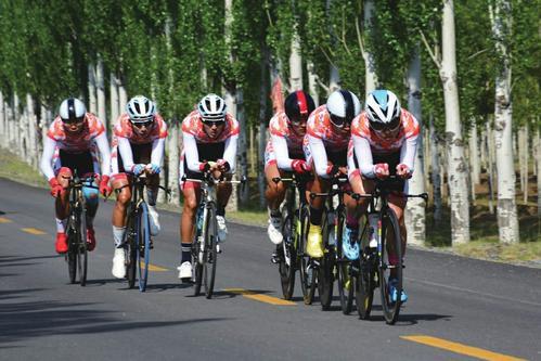 中国公路自行车联赛左云举行 邓小平 阅兵