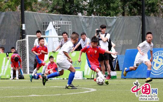 大邑安仁镇学校荣获成都市青少年足球T联赛冠军