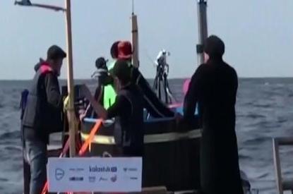 """芬兰探险者乘自制浴缸船海上""""漂流"""" 中国电影华表奖"""