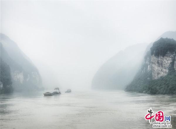 高峡出平湖:三峡云雨画中行 山水相连天人合一