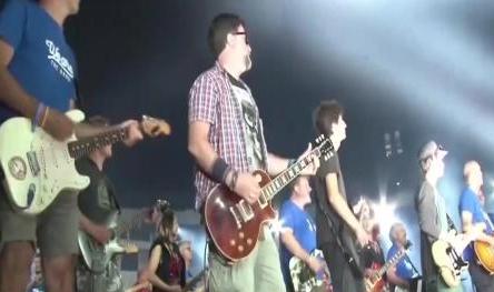 法国业余摇滚音乐会震撼奏响 德国坠机