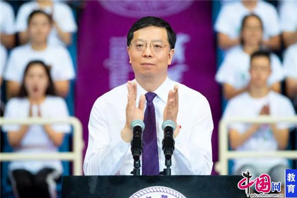 清华大学校长寄语2019级新生:服务国家 贡献社会