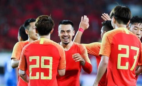 国足公布35人大名单  归化球员成焦点