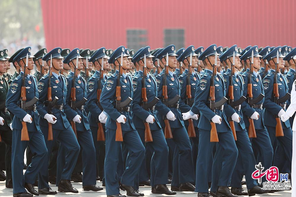 新中国创立70周年阅兵式出色图集:准备役队伍方队
