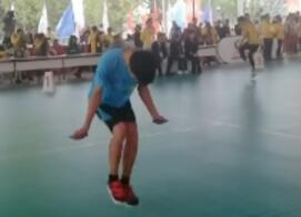 脚快如马达!  男孩跳绳1秒超7次  获世界冠军 贝尔比目鱼肌受伤