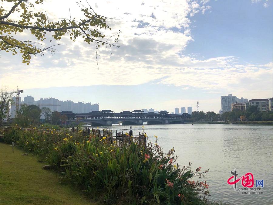 【美丽中国·网络媒体生态文明行】湖南常德:穿紫河治污 打造海