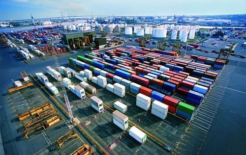"""前11个月 中国与""""一带一路""""沿线国家外贸增9.9%"""