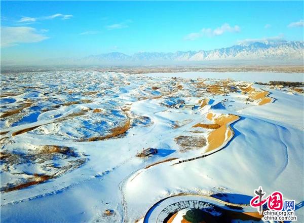 水绕沙丘天下绝-宁夏沙湖景区怎么来的?