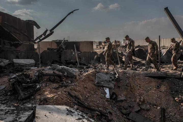 """美军躲避伊朗导弹细节曝光,士兵被冲击波震飞,没死人真是""""奇迹蜜桃女孩成熟时"""