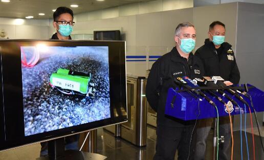 猖狂!港鐵列車上被放炸彈 作案者威脅再放爆炸品