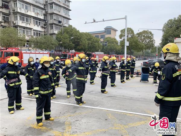 灭火救人、守护医院、捐资捐物 全国消防员齐心助力打赢疫情防控阻击战