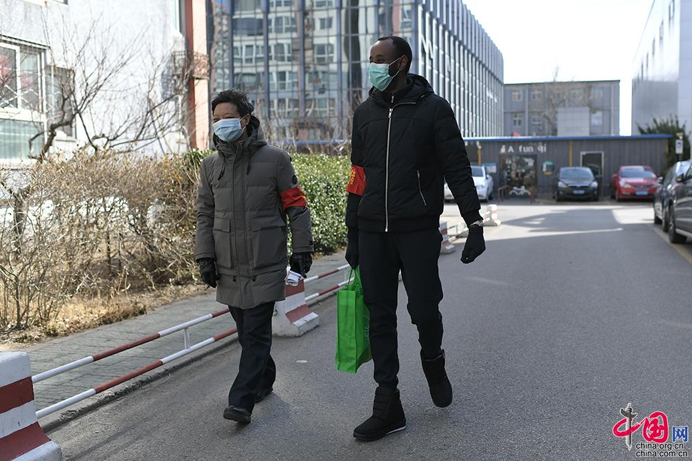 """戰""""疫""""】北京社區里的外籍志愿者:非常時期"""