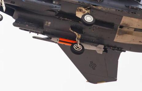 """想干嘛?美军战斗机挂核弹参加""""红旗""""军演"""