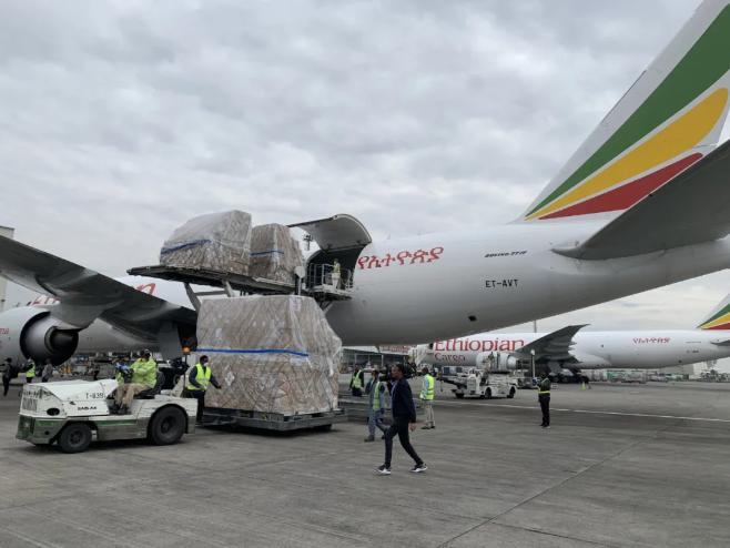中国支援非洲抗疫!埃航机组对话催泪 曼德拉名