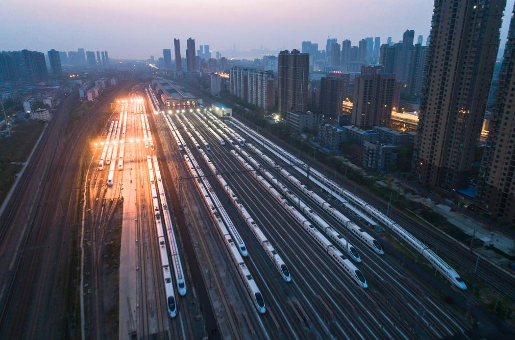 """武汉""""解封"""",首趟旅客列车发车"""