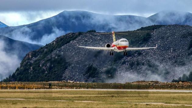 新高度!国产支线客机又传喜讯!ARJ21飞机完成高高原试飞ZZ小说吧