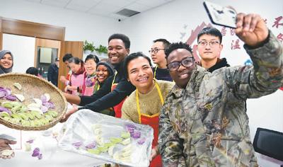 """""""十三五""""期间 中国成为亚洲最大留学目的国"""