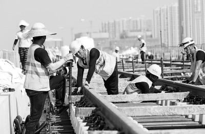 国庆节放假期间,工程人员仍在前沿奋斗 新浪b计划