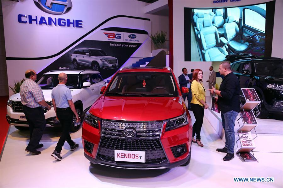 e8c1baab50196 تقرير إخباري  الشركات الصينية تطرح ماركات جديدة في معرض القاهرة الدولي  للسيارات مع ازدياد شعبيتها