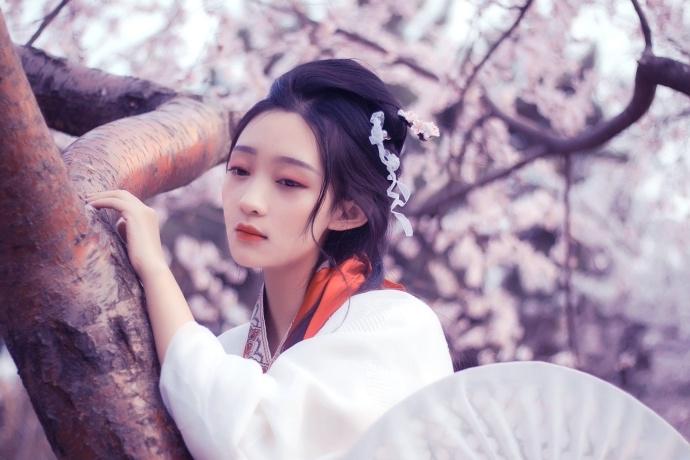 Des photos d'une Miss d'Université font penser à l'héroïne d'un roman classique