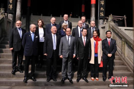 François Hollande en visite en Chine pour préparer la conférence sur le climat de Paris