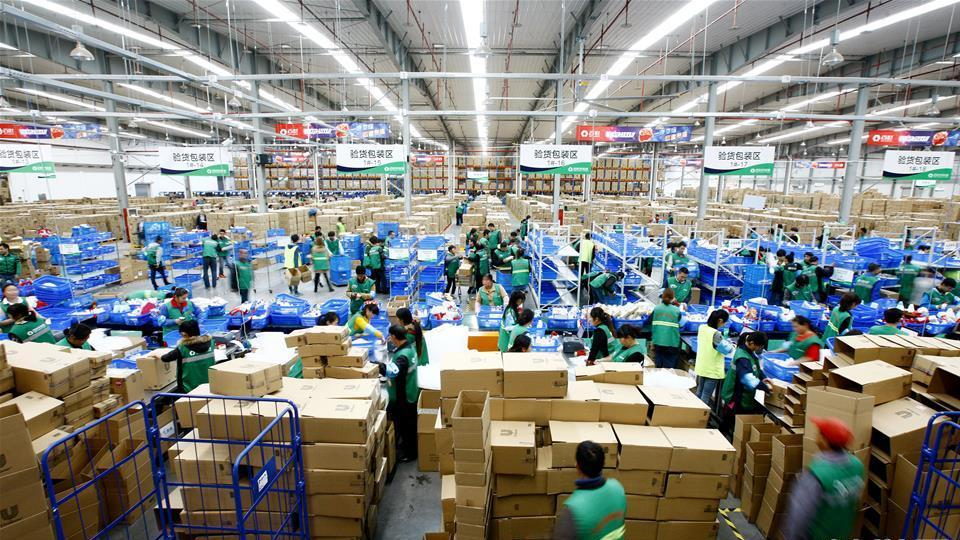 les entreprises chinoises de livraison augmentent leurs prix avant le festival du shopping. Black Bedroom Furniture Sets. Home Design Ideas