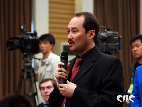 哈萨克斯坦通讯社记者提问