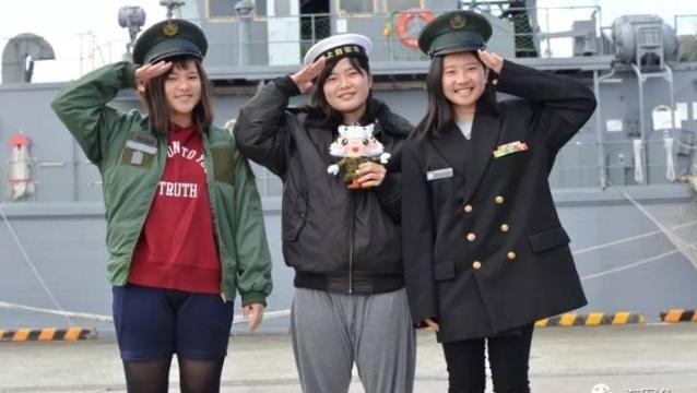 日本の自衛隊 女子隊員の内務に迫る