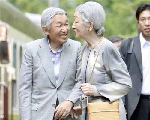 明仁天皇退位に日本人が感慨 「...