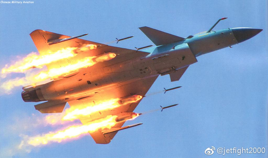 火力全開、J-10C戦闘機がミサイ...