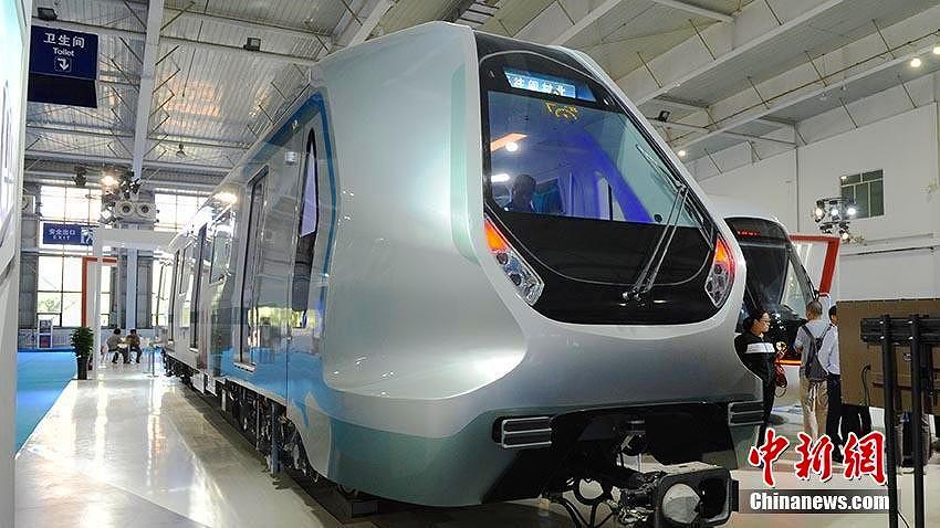 中国中車の「次世代地下鉄車両」 ハイテク満載