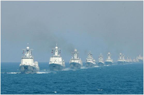 専門家の解説 観艦式と陸上軍事パレードの違い