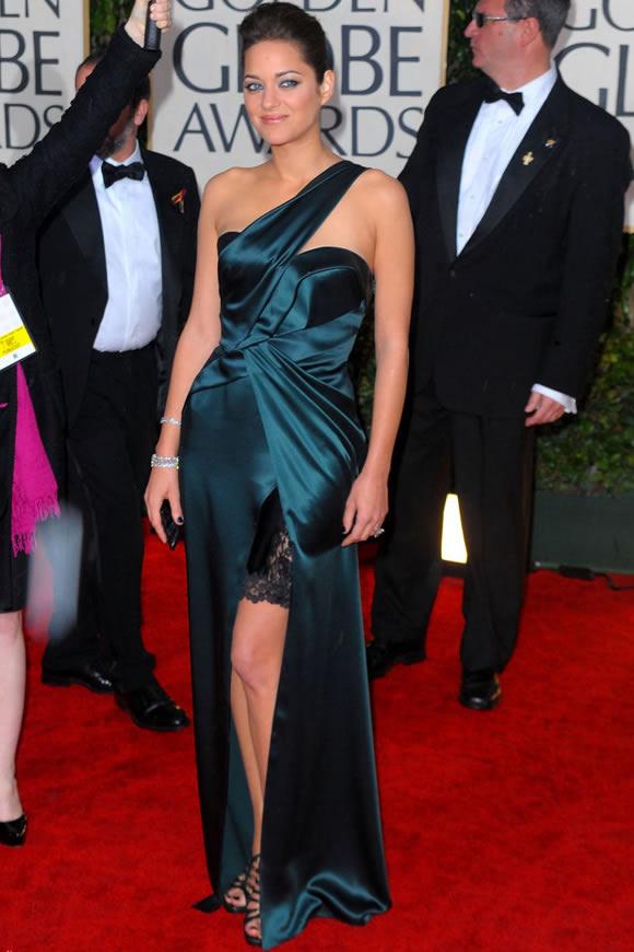 Прекрасные вечерние платья звезд, принявших участие в церемонии вручения кинонаград «Золотой глобус» 17
