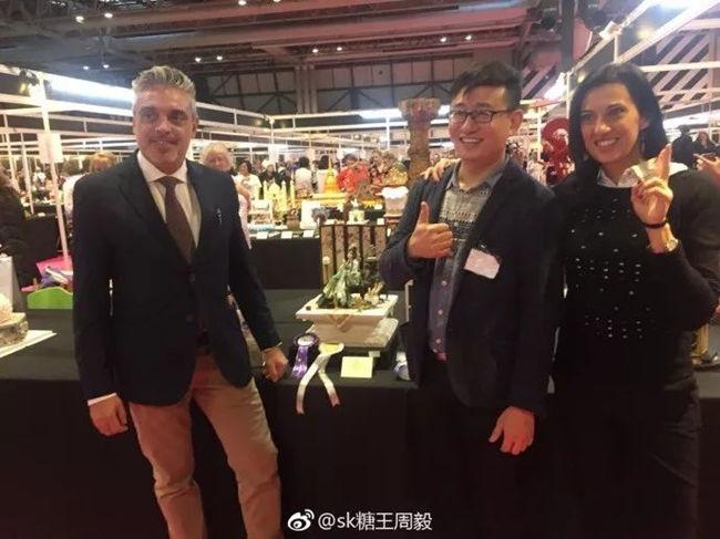 """Торты китайского кондитера получили золотые медали на выставке """"Cake International"""""""