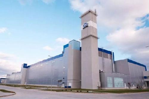 Совместное предприятие китайского автопроизводителя Geely и Беларуси открыло новый завод, ориентированный на российский рынок