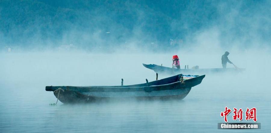 Райское озеро Лугуху на границе провинций Сычуань и Юньнань