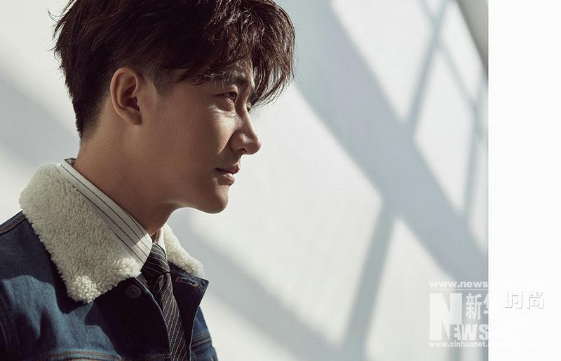 Китайский актер Хуан Сюань создает модный стиль